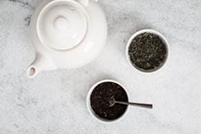 Green vs. Black Tea – What's the Difference?